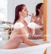 FOXY HOT, Escorts.cm call girl, GFE Escorts.cm – GirlFriend Experience