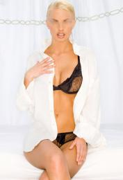 evita high class blond escort in milan