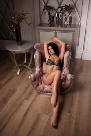 Bella, Escorts.cm call girl