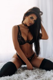 Carmella, Escorts.cm call girl